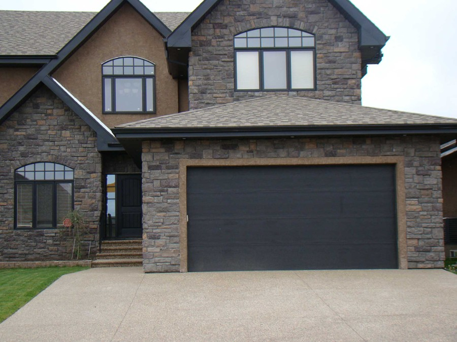 The right style of garage door can send your curb appeal through the roof