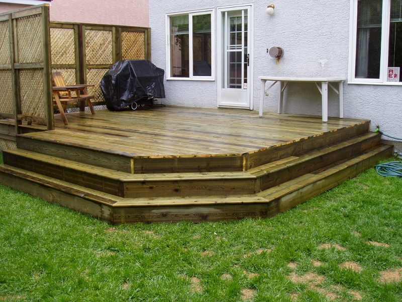 pressure treated decking (800x600)