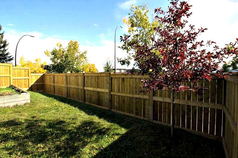 Calgary Fence Contractor
