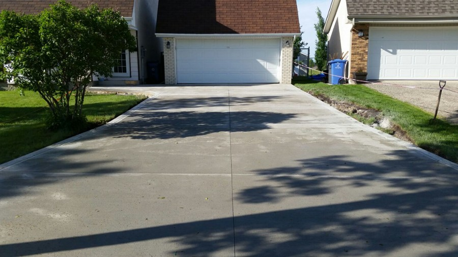 Different kinds of concretes for driveways