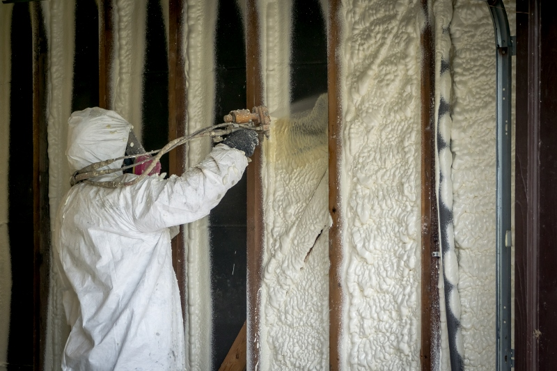 Spray Foam Vs Batt Fiberglass Insulation Renovationfind