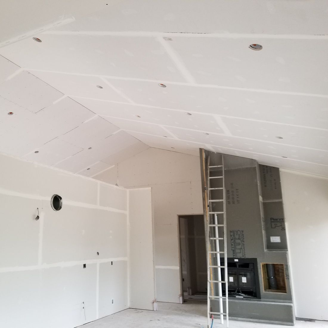 Advantages and considerations of using drywall